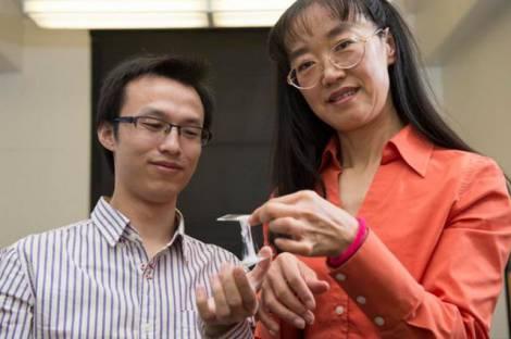 Ученые разработали материал-«жвачку» для литиево-ионных батарей