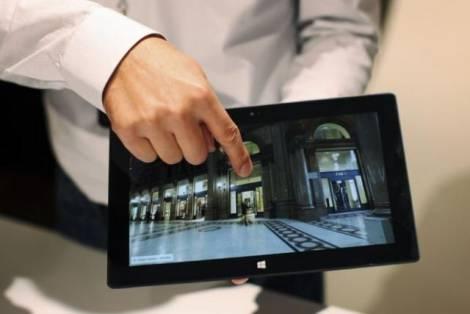 """Как """"Microsoft"""" удалось распродать почти все планшеты """"Surface""""?"""