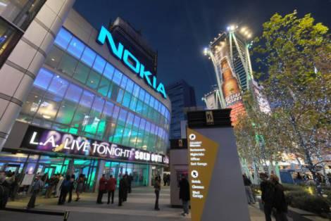 """Новым флагманом от """"Nokia"""" можно будет пользоваться, не прикасаясь к нему"""