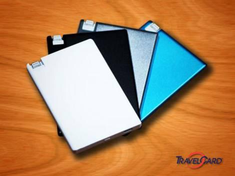 TravelCard – внешняя аккумуляторная батарея размером с банковскую карту